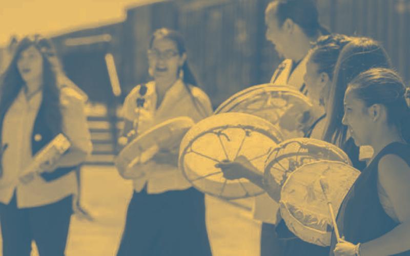 people drumming